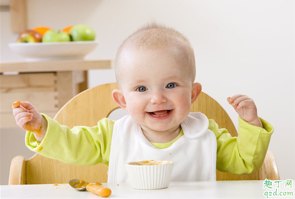 宝宝多大可以吃固体食物 宝宝吃固体食物有什么讲究1