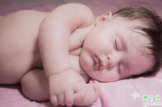 父母眼睫毛长会遗传吗 怎样让婴儿睫毛长得长3